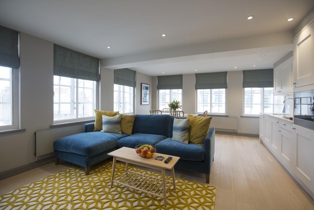 Birmingham-Accommodation---8-Waterloo-Street-Serviced-Apartment-Near-Birmingham-Town-Hall---Urban-Stay-1