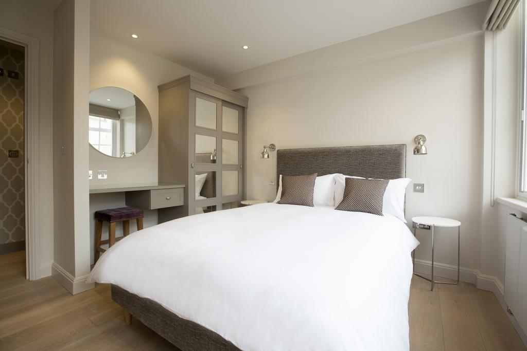 Birmingham-Accommodation---8-Waterloo-Street-Serviced-Apartment-Near-Birmingham-Town-Hall---Urban-Stay-3