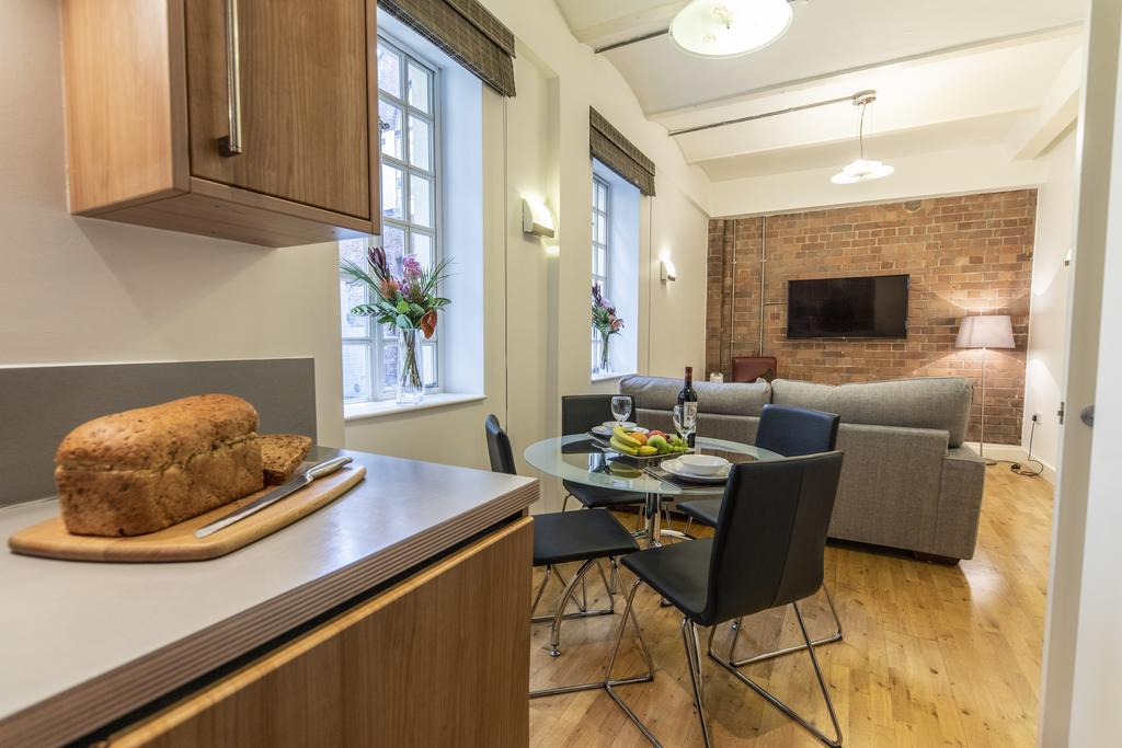 Bristol-Apartment-Self-catering-accommodation-in-Bristol---Urban-stay-4