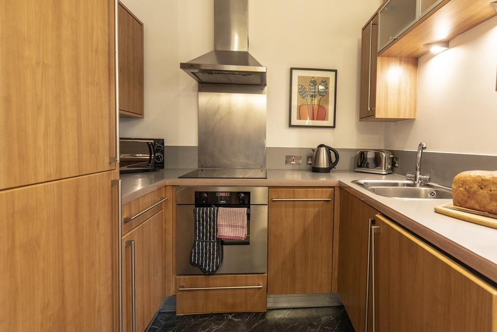 Bristol-Apartment-Self-catering-accommodation-in-Bristol---Urban-stay-6