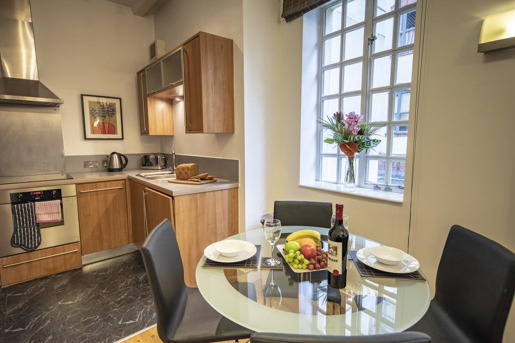 Bristol-Apartment-Self-catering-accommodation-in-Bristol---Urban-stay-7