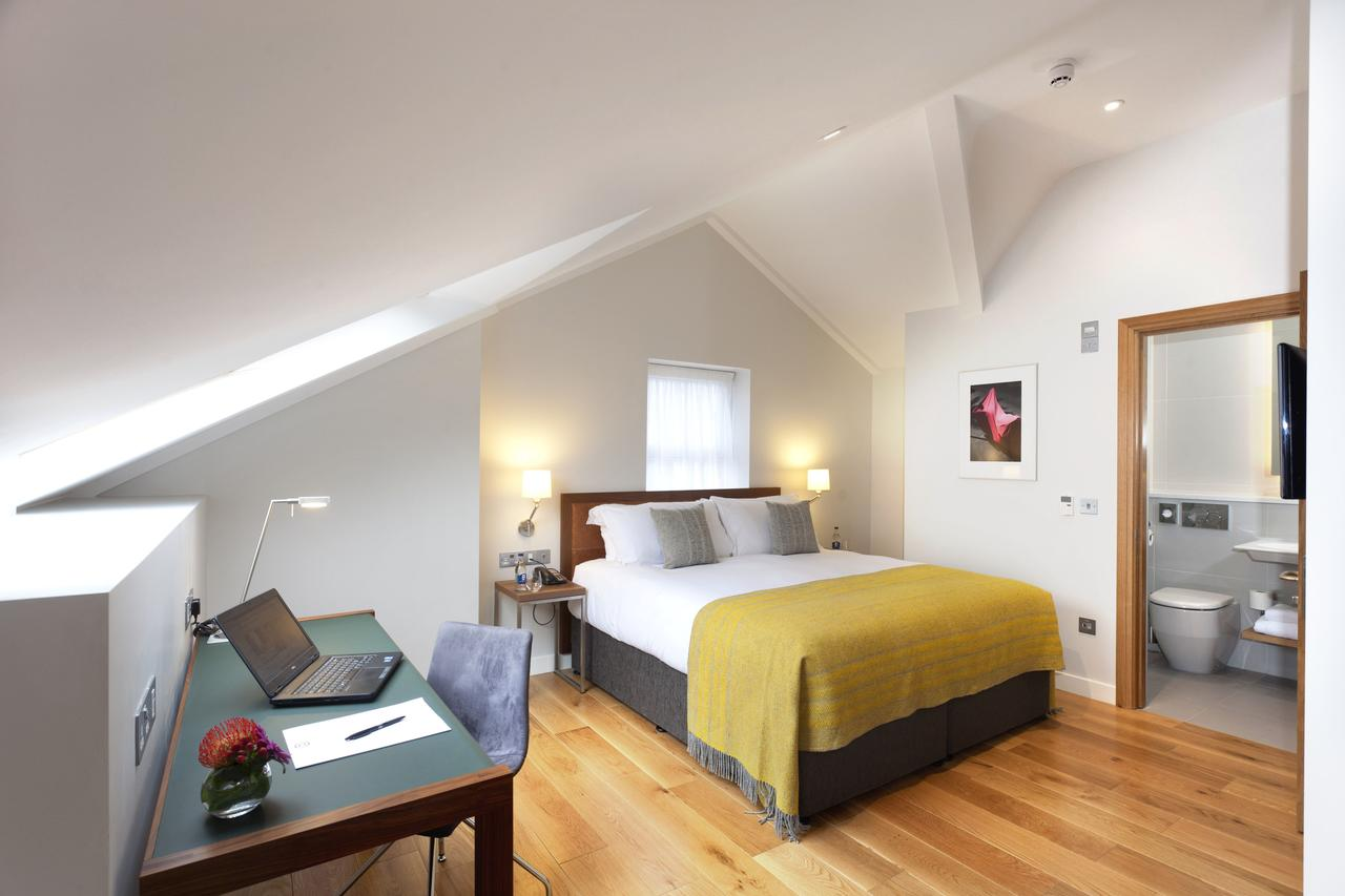 Dublin-Serviced-Accommodation---Ballsbridge-Serviced-Apartments-Ireland---Cheap-Corporate-Accommodation-with-Parking,-Reception-&-Wifi-|-Urban-Stay