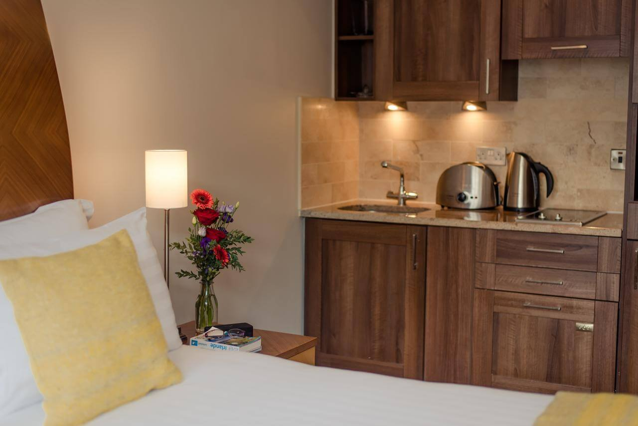 Serviced-Accommodation-Dublin---Leeson-Street-Serviced-Apartments-Ireland---Cheap-Corporate-Accommodation-with-Parking,-Reception-&-Wifi-|-Urban-Stay