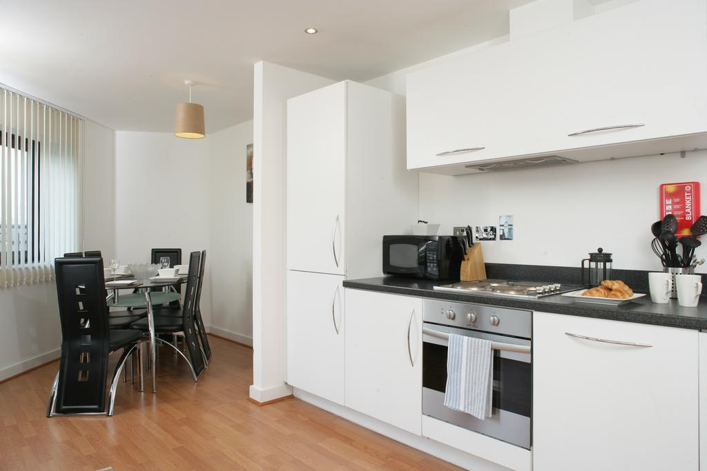 Serviced-Apartments-in-Birmingham--Comfort-Zone-Apartments-near-Birmingham-City-Centre---Urban-Stay-11