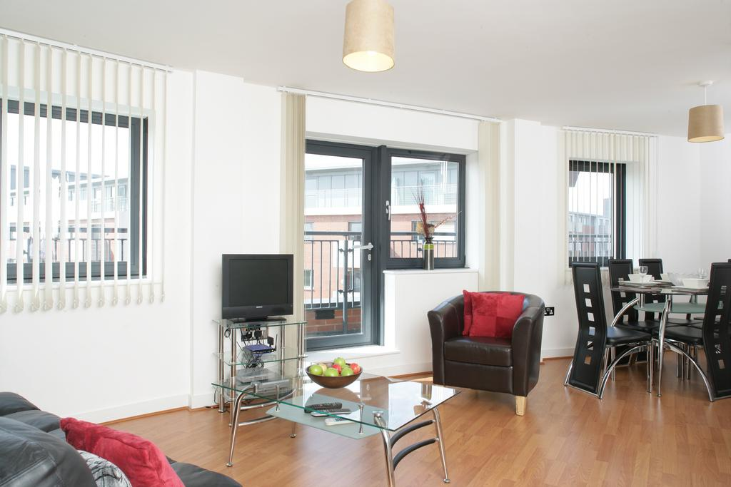 Serviced-Apartments-in-Birmingham--Comfort-Zone-Apartments-near-Birmingham-City-Centre---Urban-Stay-13