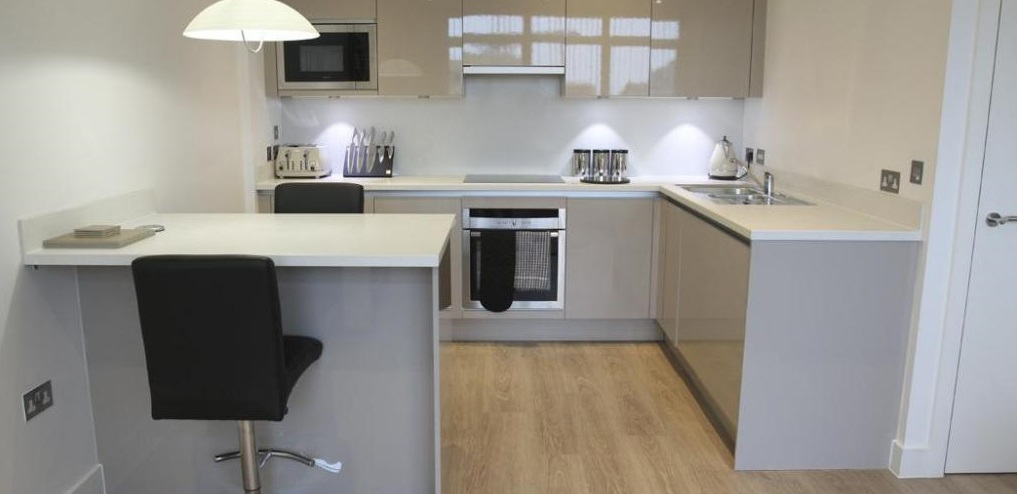 Corporate-Accommodation-St-Albans-Available-Now-I-Book-Serviced-Apartments-in-Hertfordshire-near-St-Albans-City-Station-I-Free-WiFi-&-All-Bills-Included