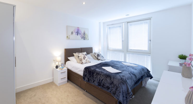 Crouch-End-Serviced-Accommodation-Available-Now-I-Book-Cheap-Corporate-Luxury-Apartments-in-North-London-I-Parking,-Balcony-&-Free-WiFi-I-Urban-Stay