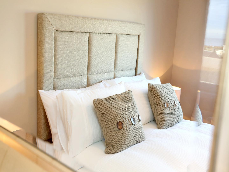 Aberdeen-Luxury-Accommodation---Bothwell-Road-Apartments-Near-Beach-Leisure-Centre---Urban-Stay-2