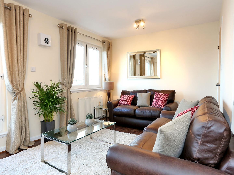 Aberdeen-Luxury-Accommodation---Bothwell-Road-Apartments-Near-Beach-Leisure-Centre---Urban-Stay-3