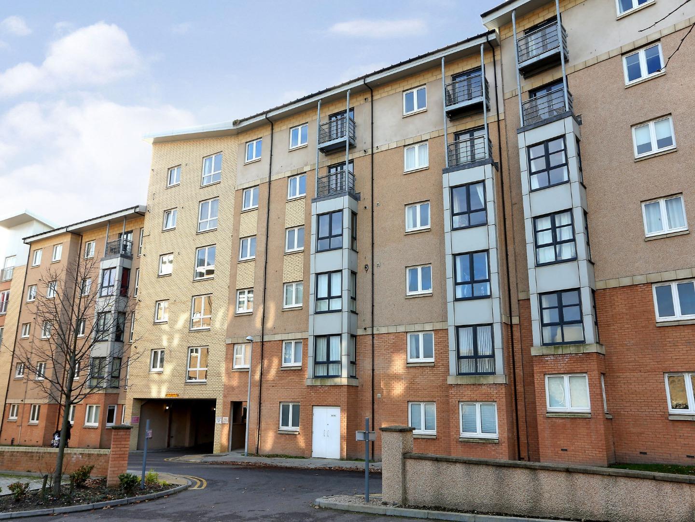 Aberdeen-Luxury-Accommodation---Bothwell-Road-Apartments-Near-Beach-Leisure-Centre---Urban-Stay-8