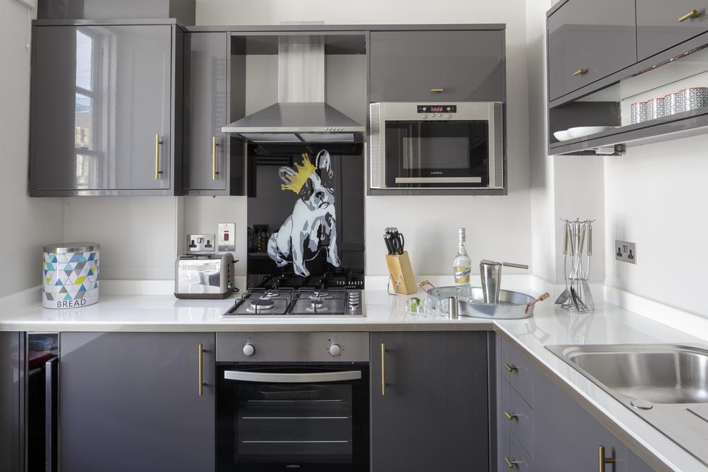 Bath-Luxury-accommodation---Beau-Street-Apartments-Near-Royal-Crescent---Urban-Stay-10