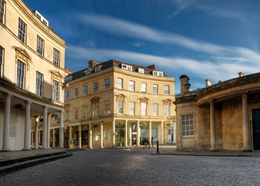 Bath-Luxury-accommodation---Beau-Street-Apartments-Near-Royal-Crescent---Urban-Stay-12