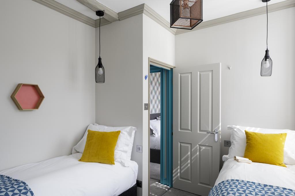 Bath-Luxury-accommodation---Beau-Street-Apartments-Near-Royal-Crescent---Urban-Stay-13