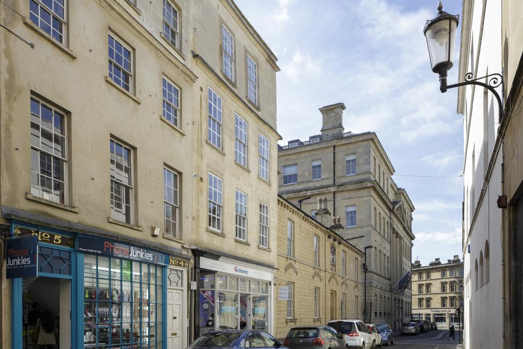 Bath Corporate Accommodation - Beau Street Apartments ...