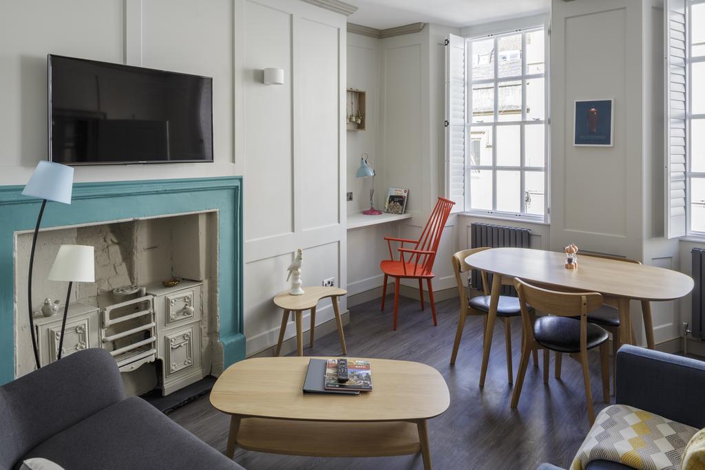 Bath-Luxury-accommodation---Beau-Street-Apartments-Near-Royal-Crescent---Urban-Stay-2