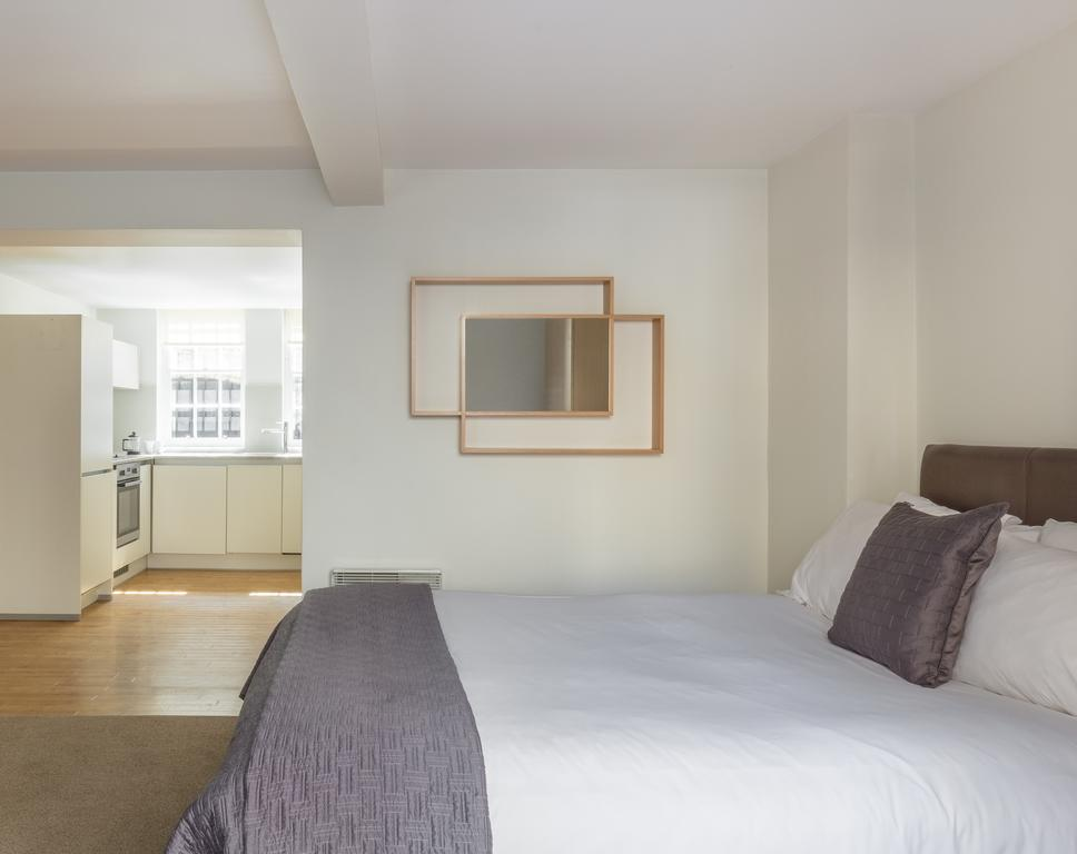 Bath-Serviced-Accommodation---St-James's-Parade-Apartments---Urban-Stay-11