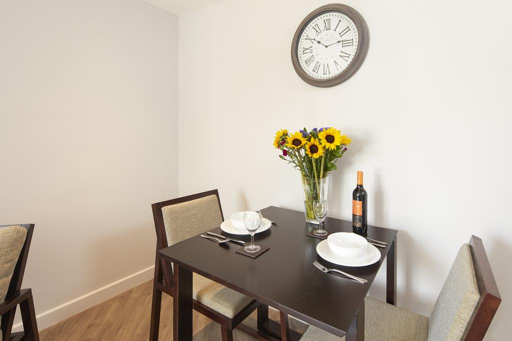 Bath-Serviced-Accommodation---St-James's-Parade-Apartments---Urban-Stay-12