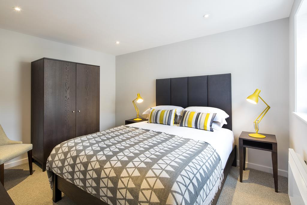 Bath-Serviced-Accommodation---St-James's-Parade-Apartments---Urban-Stay-13