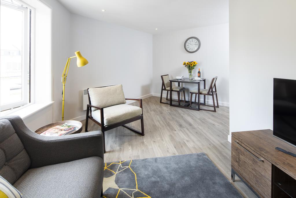 Bath-Serviced-Accommodation---St-James's-Parade-Apartments---Urban-Stay-2