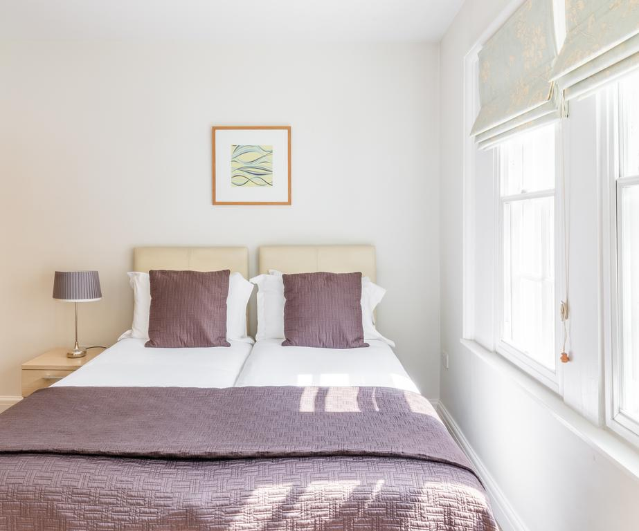 Bath-Serviced-Accommodation---St-James's-Parade-Apartments---Urban-Stay-8
