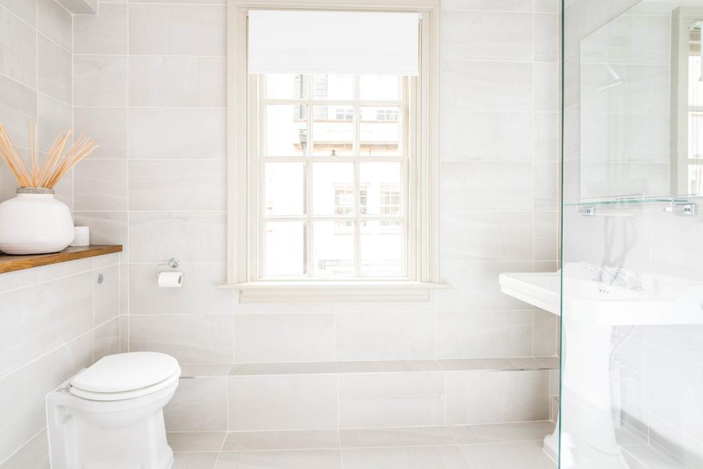 Bath-Serviced-Apartments---George-Street-Apartments-Near-Holbourn-Musuem-and-Roman-Baths---Urban-Stay-1