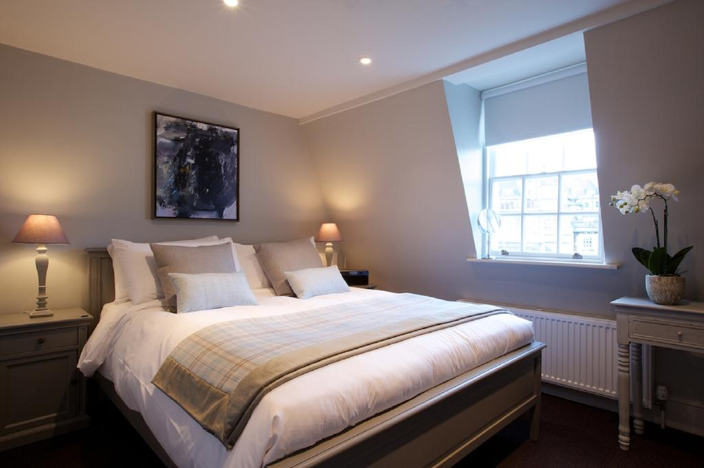 Bath-Serviced-Apartments---George-Street-Apartments-Near-Holbourn-Musuem-and-Roman-Baths---Urban-Stay-15