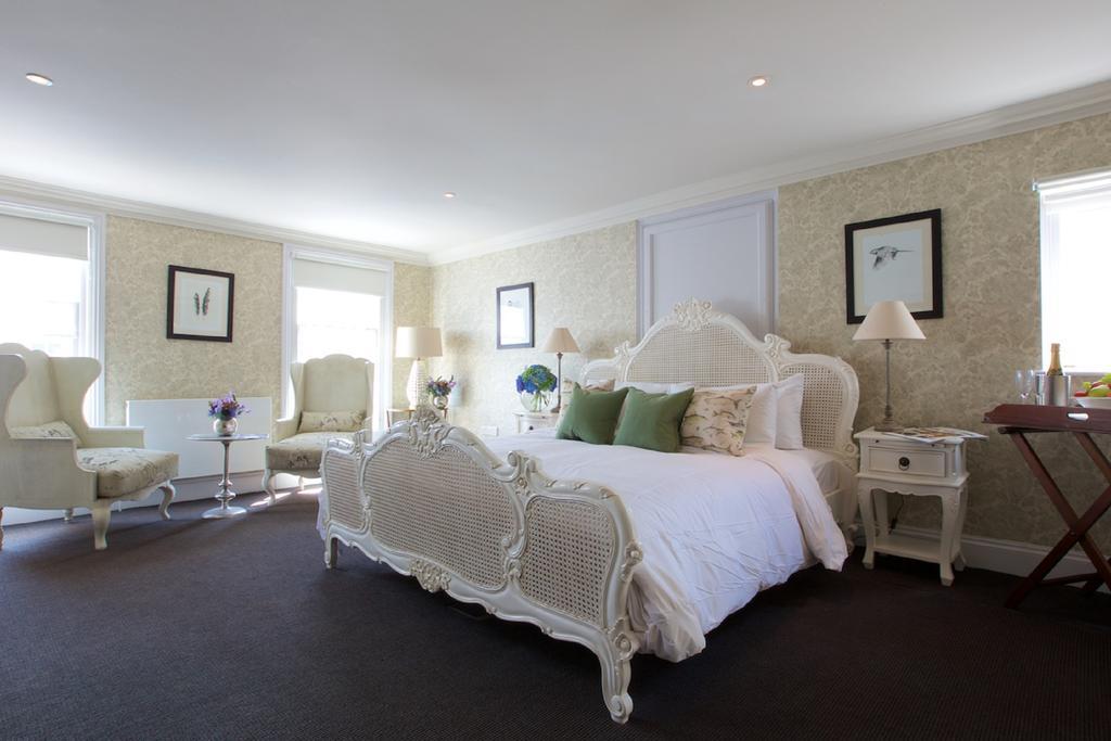 Bath-Serviced-Apartments---George-Street-Apartments-Near-Holbourn-Musuem-and-Roman-Baths---Urban-Stay-16