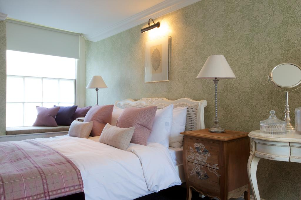 Bath-Serviced-Apartments---George-Street-Apartments-Near-Holbourn-Musuem-and-Roman-Baths---Urban-Stay-6