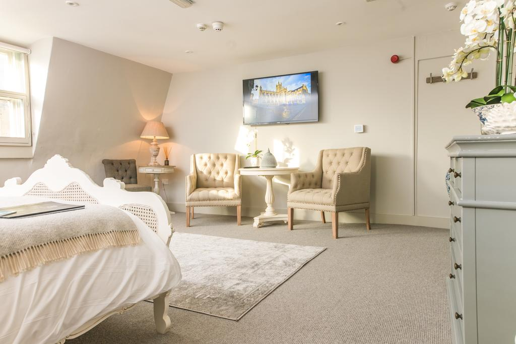 Bath-Serviced-Apartments---George-Street-Apartments-Near-Holbourn-Musuem-and-Roman-Baths---Urban-Stay-7