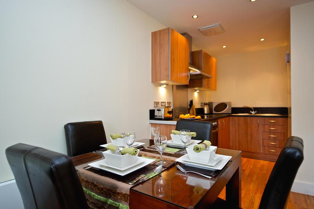 Birmingham-Corporate-Aparthotel---Arcadian-Centre-Apartments-Birmingham---Urban-Stay-3