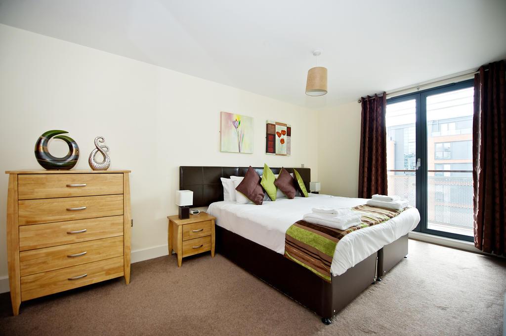 Birmingham-Corporate-Aparthotel---Arcadian-Centre-Apartments-Birmingham---Urban-Stay-4