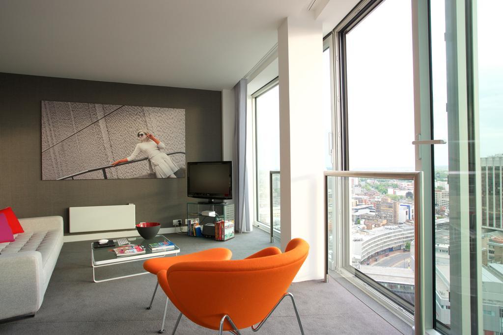 Birmingham-Corporate-Apartments---Rotunda-Accommodation---Birmingham-New-Street---Urban-Stay-8