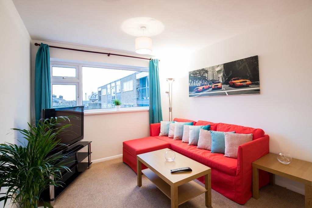 Bishops Stortford Serviced Apartments - Apton Court Apartments Near Bishop's Stortford College - Urban Stay 1
