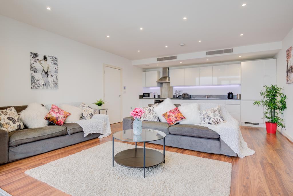 Brentford-Serviced-Accommodation---Kew-Eye-Apartments-Near-Heathrow-Airport---Urban-Stay-11
