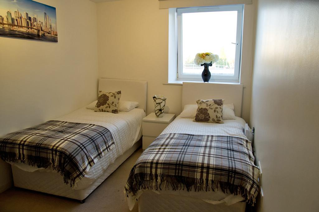 Brentwood-Luxury-Accommodation---Beckett-Apartments-Near-Bentley-Golf-Club---Urban-Stay-11
