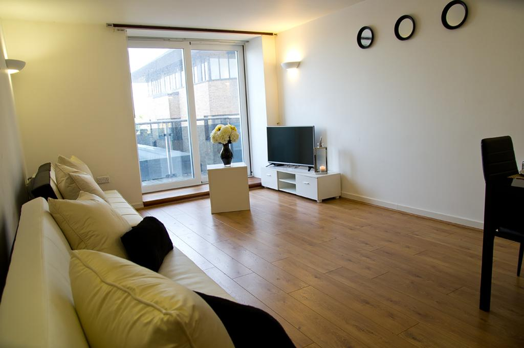 Brentwood Luxury Accommodation - Beckett Apartments Near Bentley Golf Club - Urban Stay 12