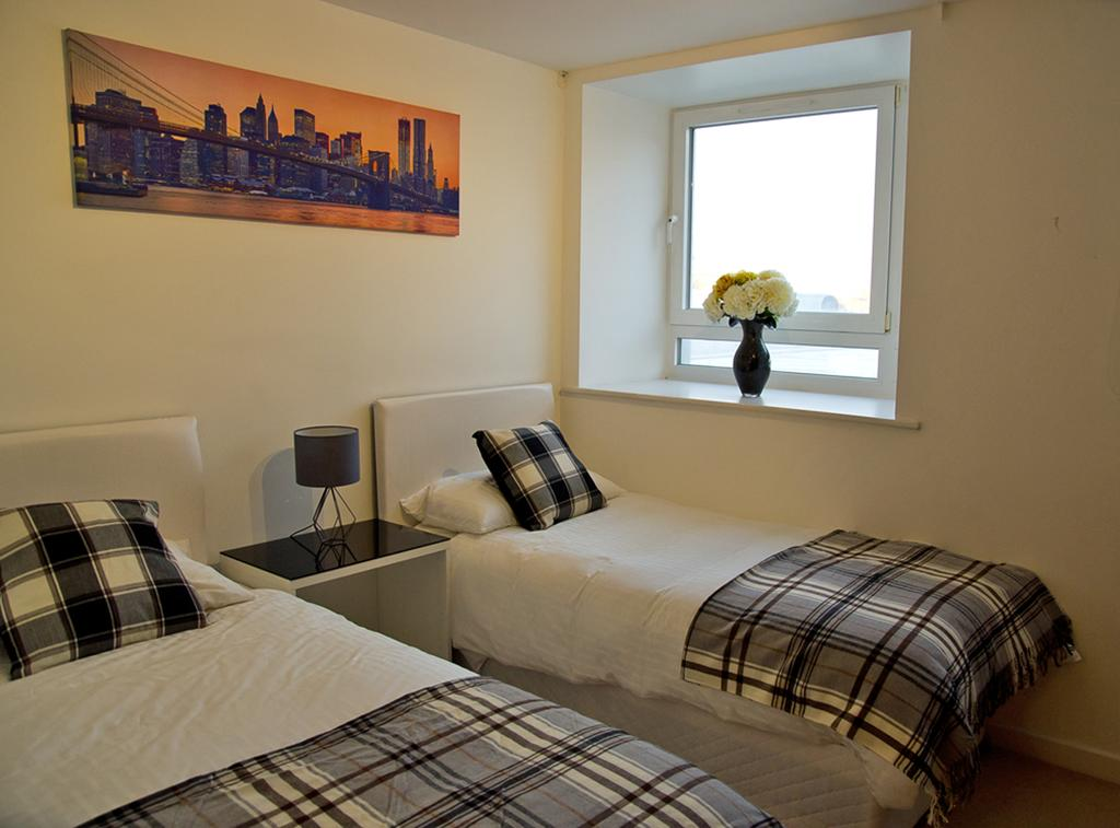 Brentwood-Luxury-Accommodation---Beckett-Apartments-Near-Bentley-Golf-Club---Urban-Stay-3