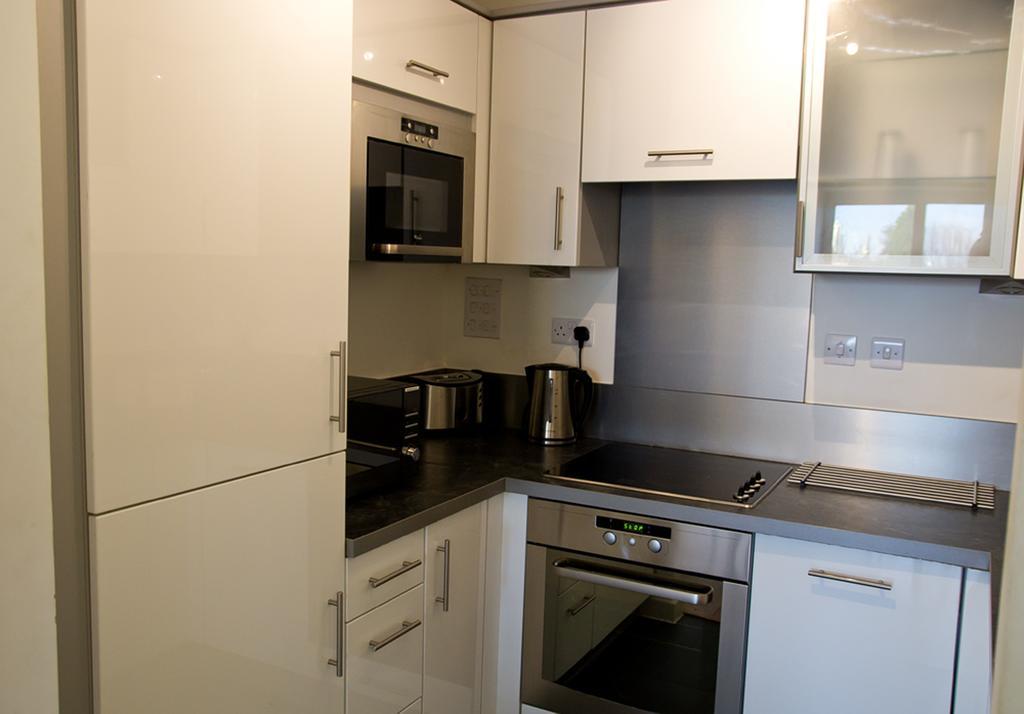Brentwood-Luxury-Accommodation---Beckett-Apartments-Near-Bentley-Golf-Club---Urban-Stay-5
