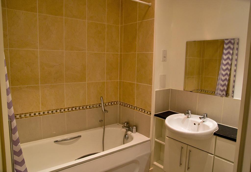 Brentwood-Luxury-Accommodation---Beckett-Apartments-Near-Bentley-Golf-Club---Urban-Stay-9