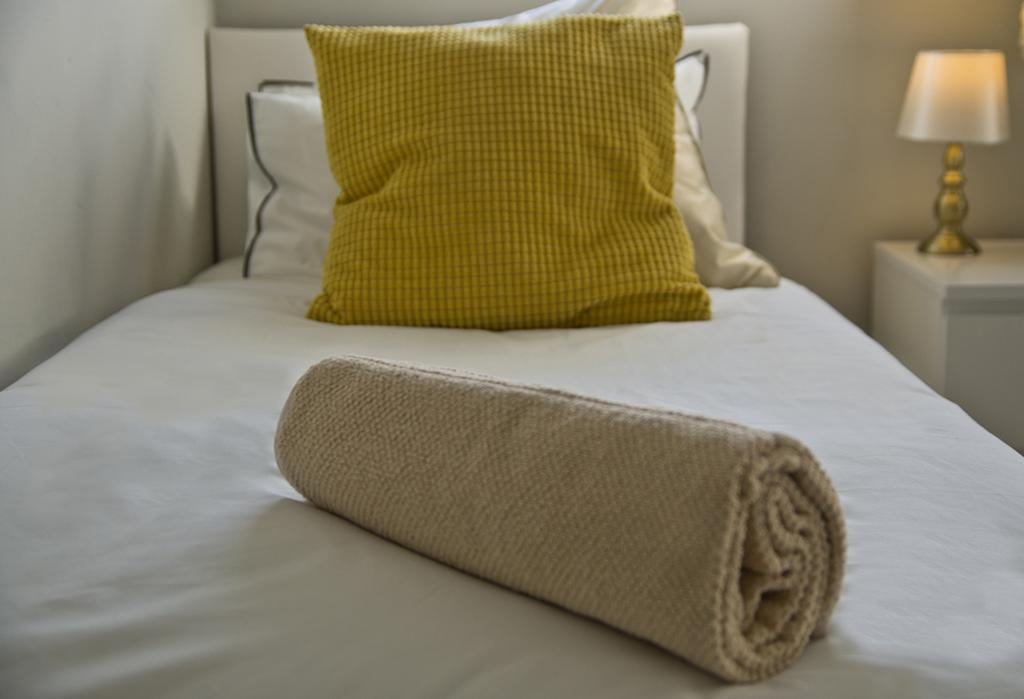 Brentwood-Serviced-Accommodation---Brentwood-City-Apartments-Near-Romford-Golf-Club---Urban-Stay-3