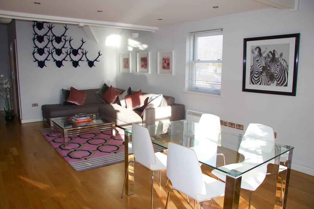 Cambridge-Serviced-Apartments---Marino-Place-Apartments-Near-Hertford-Street---Urban-Stay-13