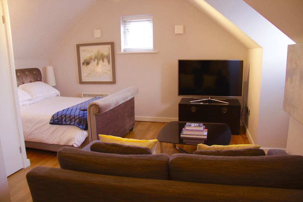 Cambridge-Serviced-Apartments---Marino-Place-Apartments-Near-Hertford-Street---Urban-Stay-18