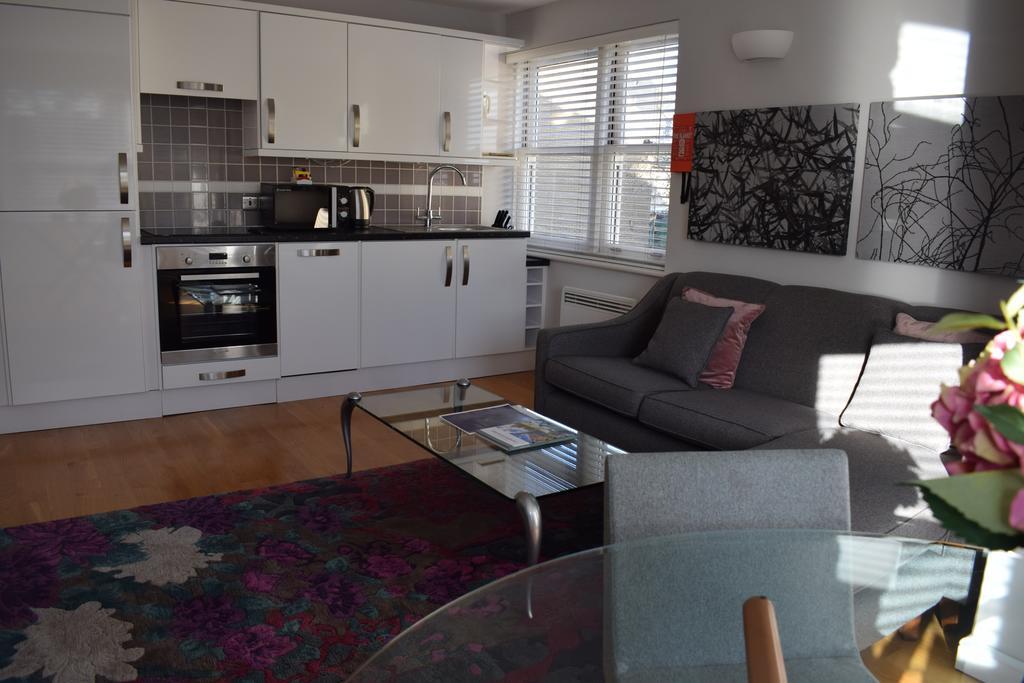 Cambridge-Serviced-Apartments---Marino-Place-Apartments-Near-Hertford-Street---Urban-Stay-4