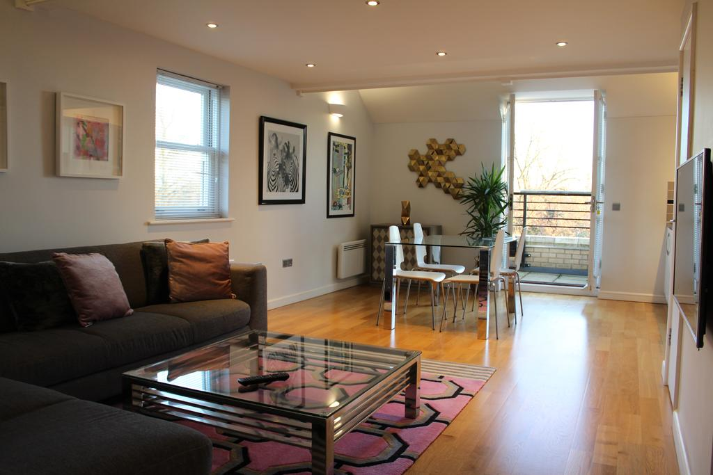 Cambridge-Serviced-Apartments---Marino-Place-Apartments-Near-Hertford-Street---Urban-Stay