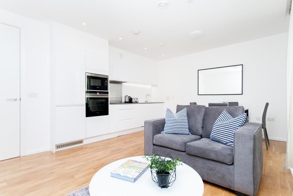 Canary-Wharf-Serviced-Accommodation---Clover-Court-Apartments-Near-Tower-Bridge---Urban-Stay-1