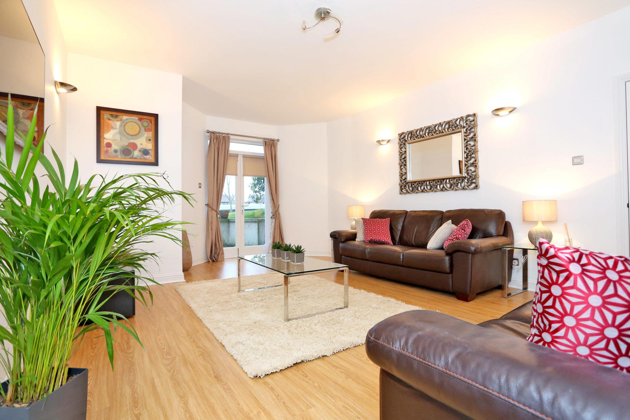 Cheap-Accommodation-Aberdeen---Queen's-Road-Apartments-Near-Hazelhead-Park---Urban-Stay-2