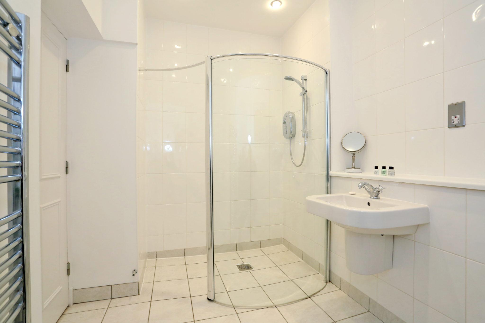 Cheap-Accommodation-Aberdeen---Queen's-Road-Apartments-Near-Hazelhead-Park---Urban-Stay-7