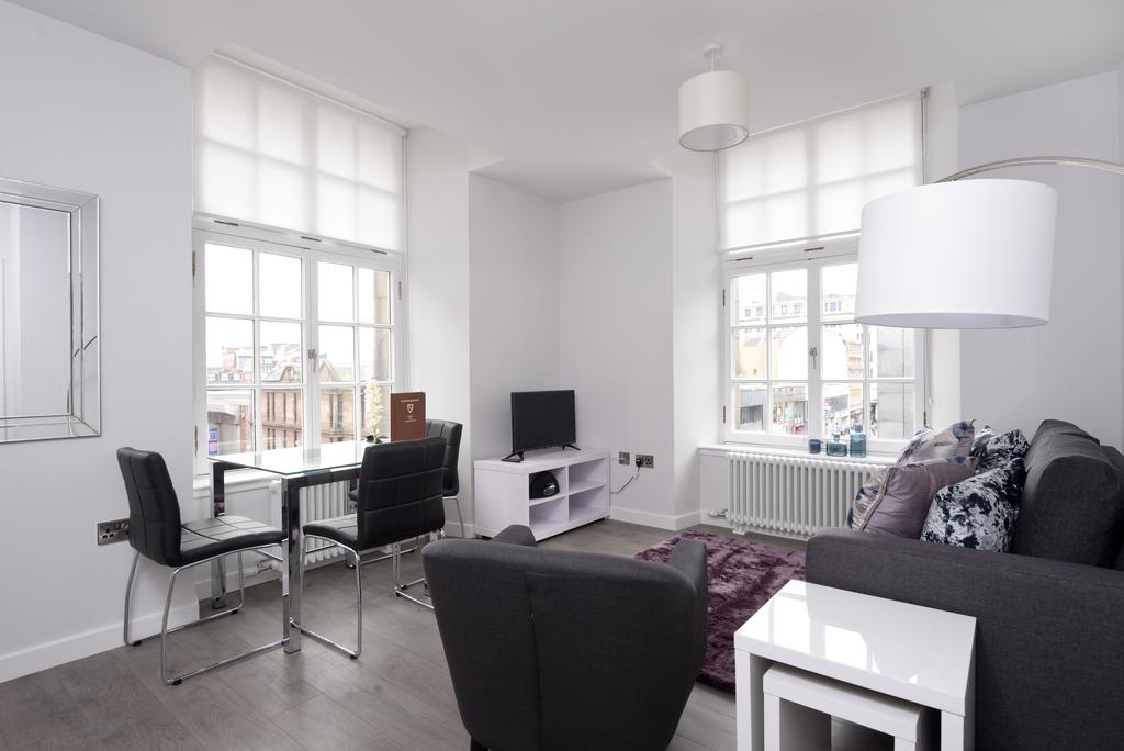 Cheap-Accommodation-Glasgow---Glassford-Street-Apartments-Near-Royal-Concert-Hall---Urban-Stay-12