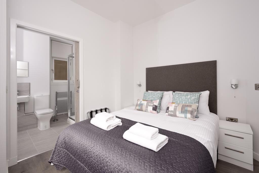 Cheap-Accommodation-Glasgow---Glassford-Street-Apartments-Near-Royal-Concert-Hall---Urban-Stay-15