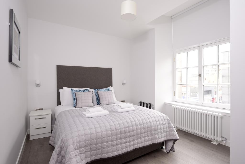 Cheap-Accommodation-Glasgow---Glassford-Street-Apartments-Near-Royal-Concert-Hall---Urban-Stay-18